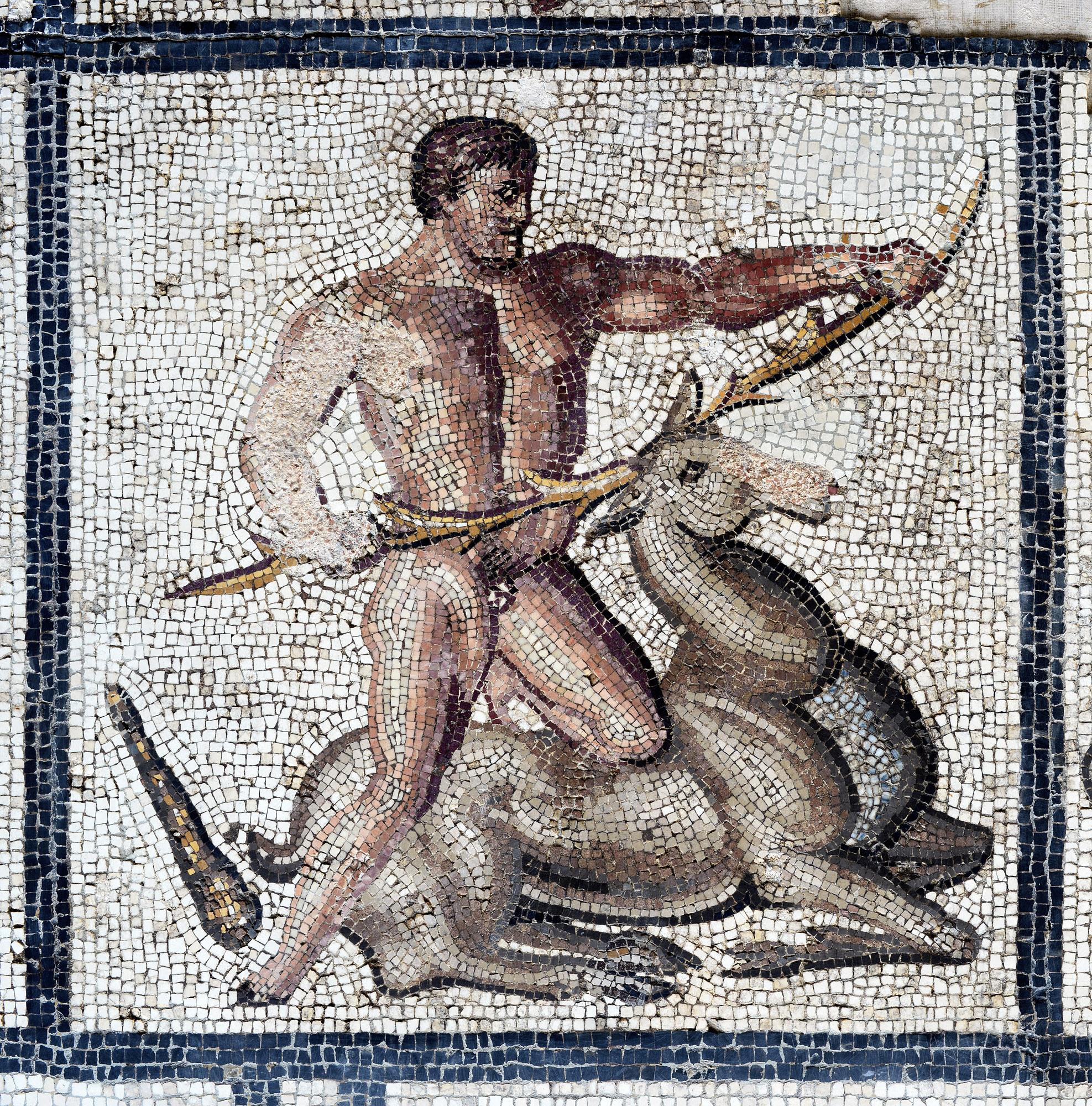 Mosaïque d'Hercule (La biche de Cérynie) ©Paul Veysseyre.
