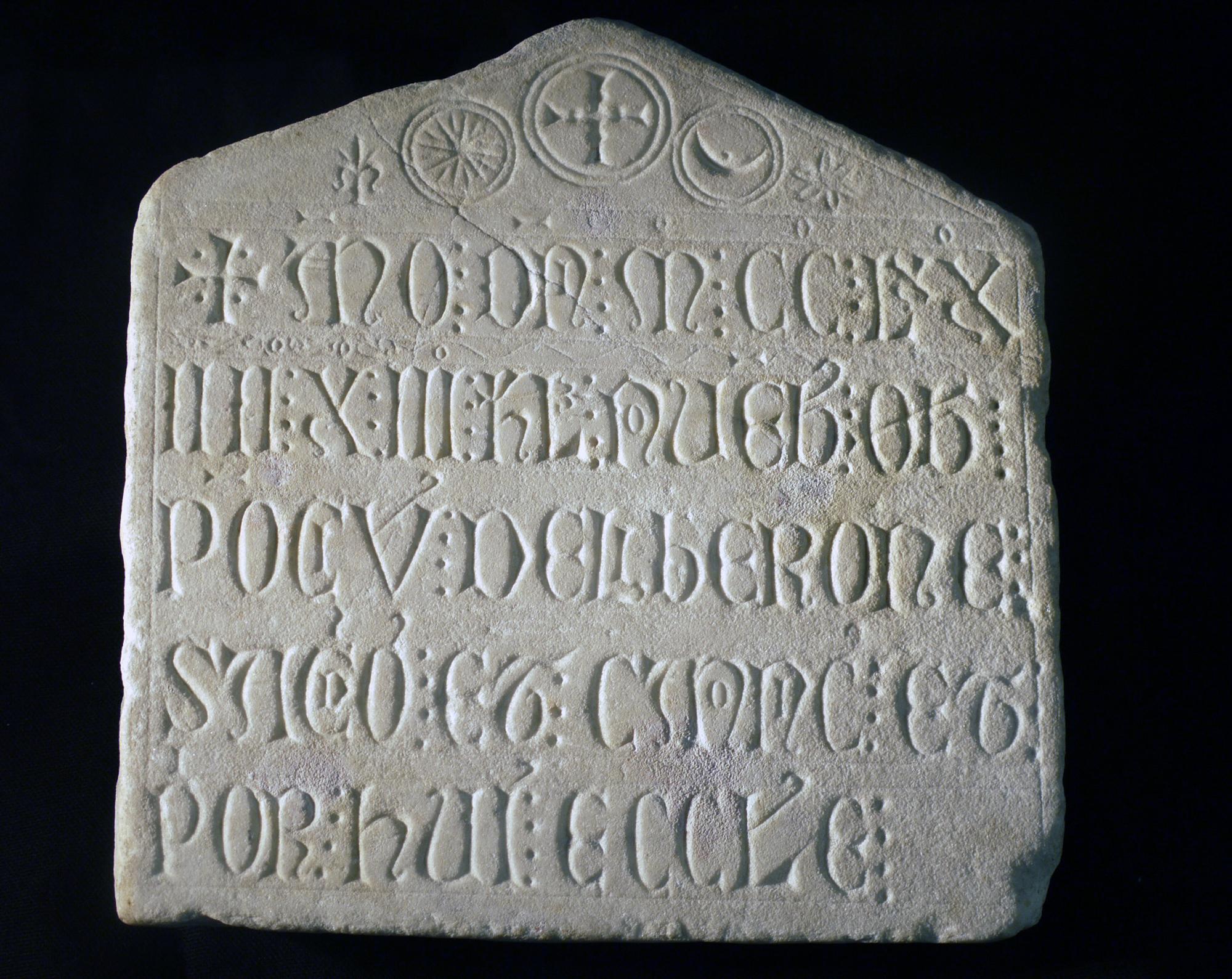 Inscription Ponce de Leberon ©Musée de Valence, photo Béatrice Roussel.
