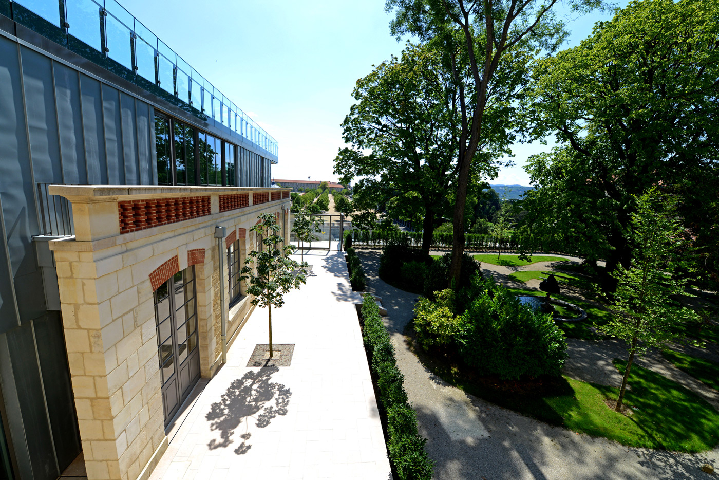 L 39 orangerie c t jardin mus e de valence for Jardin orangerie